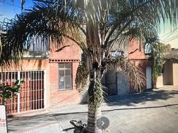 Foto Local en Venta | Alquiler en  Lomas de Zamora Oeste,  Lomas De Zamora  Baliña 524