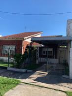 Foto Casa en Venta en  Turdera,  Lomas De Zamora  San Mateo 421
