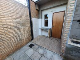 Foto Casa en Venta en  1er. Barrio,  Luque  Vendo Dúplex De 3 Dormitorios A Estrenar En Luque