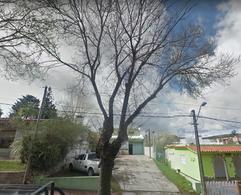 Foto Local en Venta en  Centro,  Piriápolis  Uruguay entre Reconquista y Buenos Aires OPCION INTERESANTE
