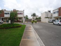 Foto Casa en condominio en Renta en  Jardines del Sur,  Cancún  Se Renta Casa en Cancun  en Jardines del Sur 1 con Doble Terreno Excedente