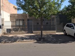 Foto Casa en Venta en  Capital ,  San Juan  Bº San Antonio falucho al 1400