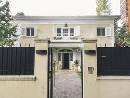 Foto Casa en Venta | Alquiler en  La Lucila-Libert./Rio,  La Lucila  Debenedetti al 200