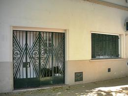 Foto PH en Venta en  V.Lopez-Maipu/ Río,  Barrio Vicente López  Hipólito Yrigoyen al 700