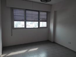 Foto Departamento en Alquiler en  Nueva Cordoba,  Capital  Bv. Illia al 100 - PRIMER MES BONIFICADO - SEGURIDAD NOCTURNA-
