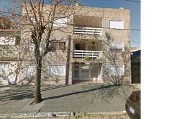 Foto Departamento en Alquiler en  Lomas de Zamora Oeste,  Lomas De Zamora  San Martín al 200