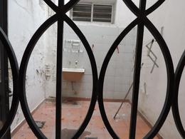 Foto PH en Venta en  Lanús Este,  Lanús  Sitio de Montevideo al 1200