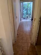 Foto Casa en Venta en  Pocitos Nuevo ,  Montevideo  Casa de 1 dormitorio con patio a una cuadra de la rambla