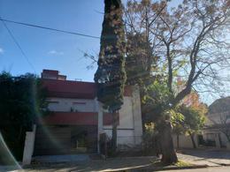 Foto Casa en Alquiler en  Martinez,  San Isidro  Alvear al 500