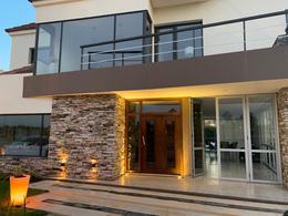 Foto Casa en Venta en  Saint Thomas,  Countries/B.Cerrado (E. Echeverría)  Venta con renta - Casa en Saint Thomas Este