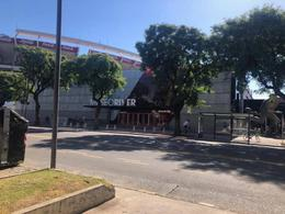 Foto Local en Alquiler en  Nuñez ,  Capital Federal  Av. Figueroa Alcorta al 7500