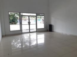 Foto Local en Renta en  Pozos,  Santa Ana  Santa Ana/ Plaza Comercial/ Mantenimiento incluído