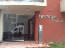 Foto Departamento en Alquiler en  Adrogue,  Almirante Brown  Cerretti al 800