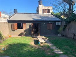 Foto Casa en Venta en  Alberdi,  Rosario  Gurruchaga 456