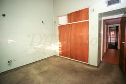 Foto Casa en Venta en  Flores ,  Capital Federal  Recuero al 2800