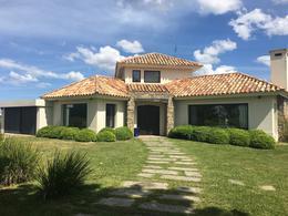 Foto Casa en Venta | Alquiler en  Countries/B.Cerrado (Carrasco) ,  Canelones  Countries/B.Cerrado (Carrasco)
