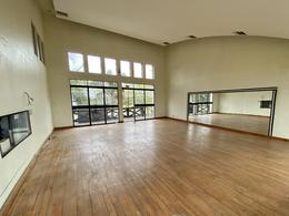 Foto Oficina en Alquiler en  Martinez,  San Isidro  Excelente propiedad comercial con frente a Dardo Rocha al 3300
