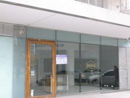 Foto Oficina en Alquiler en  Puerto Madero ,  Capital Federal  Oficina/Local en Esquina Premium! en Forum! Mariquita Sanchez de Thompson y Olga Cossentini 100-