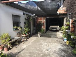 Foto Casa en Venta en  Quilmes Oeste,  Quilmes  394 Nº 1574  entre 12 de Octubre y Pres. Juan Domingo Perón