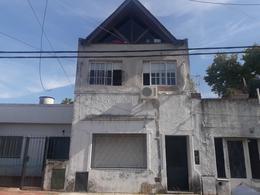 Foto Casa en Venta en  Lomas De Zamora ,  G.B.A. Zona Sur  RIVERA 1592