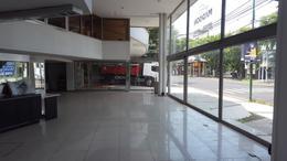 Foto Local en Venta | Alquiler en  Mart.-Libert./Rio,  Martinez  Av Libertador al 14000