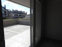 Foto Departamento en Venta en  Pilar ,  G.B.A. Zona Norte  Frente a la Univerdad Austra.  Increible 3 amb a estrenar con patio