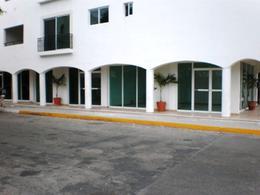 Foto Local en Renta en  Playa del Carmen Centro,  Solidaridad  Local – Oficina Centro en Renta