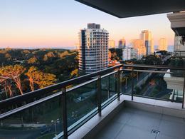 Foto Apartamento en Venta en  Punta del Este ,  Maldonado  AV.Roosevelt y Pedragosa Sierra. Place Lafayette