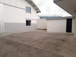 Foto Galpón en Alquiler en  Norte de Quito,  Quito  Nazareth