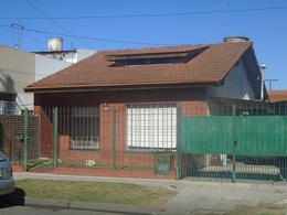 Foto Casa en Venta en  Lomas De Zamora,  Lomas De Zamora  MADRID 631