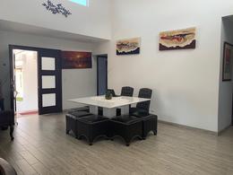 Foto Casa en condominio en Venta en  Piedades,  Santa Ana  Piedades de Santa Ana / 1 nivel  con anexo / Terraza / Jardín/ Moderna