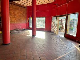 Foto Local en Alquiler en  Villa Crespo ,  Capital Federal  Scalabrini Ortiz al 700
