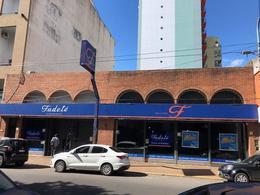 Foto Local en Alquiler en  Quilmes,  Quilmes  Lavalle 800