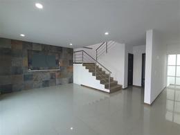 Foto Casa en Venta en  Pueblo Tequesquitengo,  Jojutla  Venta de casa en Fracc. de Tequesquitengo, Morelos…Clave 3437