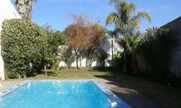 Foto Casa en Venta en  La Plata,  La Plata  133 50 y 52