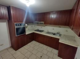 Foto Casa en Venta en  Santiago de Surco,  Lima  Buen Retiro