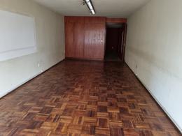 Foto Oficina en Alquiler en  Centro (Montevideo),  Montevideo  Andes y 18, oficina con vista a Plaza Independencia , 300 m2 !!