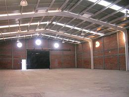 Foto Bodega Industrial en Renta en  Pedregal de Hacienda Grande,  Tequisquiapan  Amplia bodega a pie de carretera