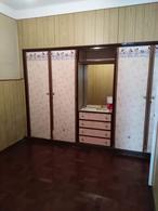 Foto Casa en Venta en  Rosario,  Rosario  Casa de 3 dormitorios  al frente   Casa interna 1 dormitorio  - Biedma 1500 - USD 85.000 - Oportunidad