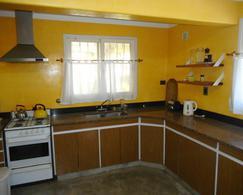 Foto Casa en Venta en  Pinamar ,  Costa Atlantica  Martin Pescador 526