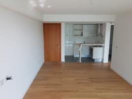 Foto Departamento en Alquiler en  Puerto Buceo ,  Montevideo  FORUM- 1 dormitorio con garaje