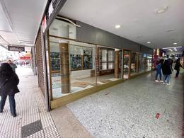 Foto Local en Alquiler | Venta en  Lomas de Zamora Oeste,  Lomas De Zamora  Laprida al 200