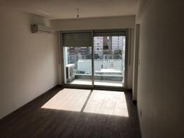 Foto Departamento en Alquiler en  Pocitos Nuevo ,  Montevideo  Apartamento En Alquiler,  Pocitos