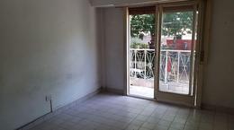 Foto Departamento en Alquiler en  Lomas De Zamora ,  G.B.A. Zona Sur  Arenales al 300