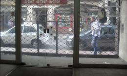Foto Local en Alquiler en  Ciudad Vieja ,  Montevideo  25 de Mayo y Misiones