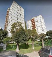 Foto Departamento en Alquiler en  Avellaneda ,  G.B.A. Zona Sur  Amaro Giura 1379, Torre 4, Piso 1º, Depto. 2