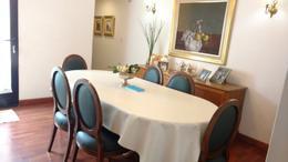 Foto Casa en Venta en  Adrogue,  Almirante Brown  castelli 1200