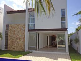 Foto Casa en Venta en  Solidaridad ,  Quintana Roo  Casa 3 Recamaras Nueva, Playa Magna