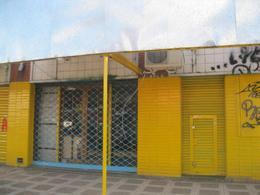 Foto Local en Alquiler en  Remedios De Escalada,  Lanus  H. Yrigoyen 5021
