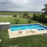 Foto Casa en Venta | Alquiler en   Colinas de Carrasco,  Countries/B.Cerrado (Carrasco)  Espectacular casa en barrio privado, máxima seguridad y naturaleza